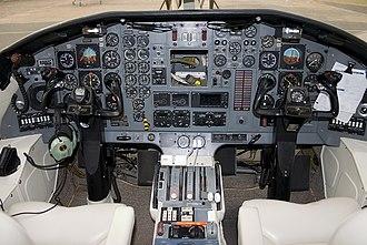 Embraer EMB 121 Xingu - Cockpit