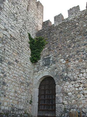 Alcanede - Entrance to the Castle of Alcanede