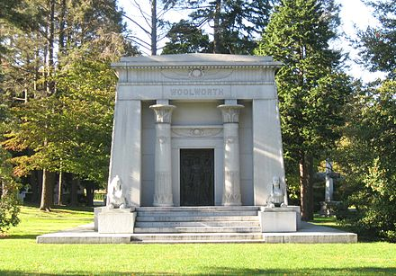 Woolworth family mausoleum F W Woolworth Woodlawn jeh.JPG