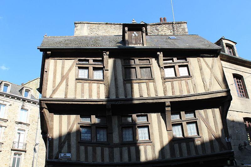 File:Facade du 20 rue de la Ferronnerie.JPG Исторические памятники Динана, достопримечательности Динана, фотографии Динана