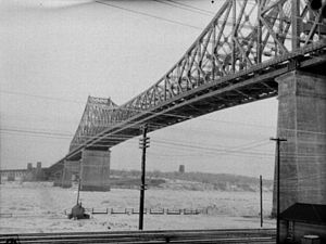 Jacques Cartier Bridge - Bridge in 1948
