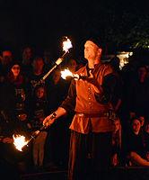 Feuershow – Hörnerfest 2014 06.jpg