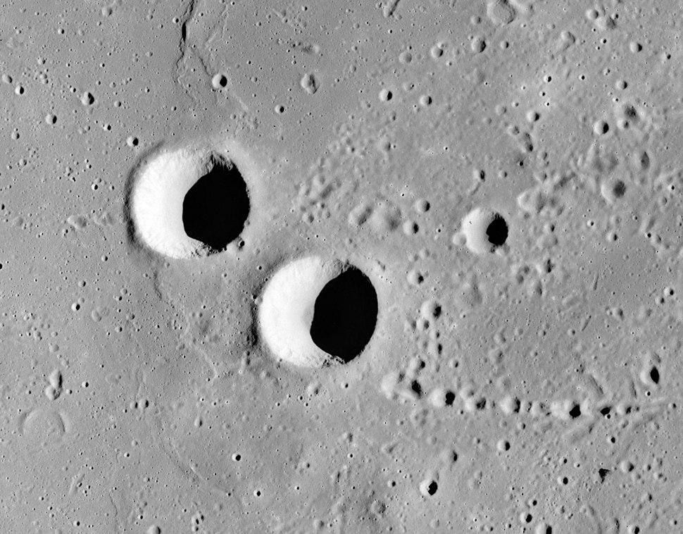 Feuillee crater Beer crater AS15-M-1144