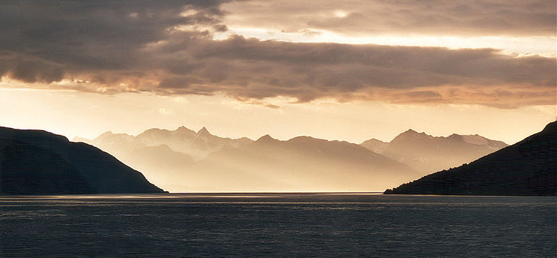 File:Fjord am abend.jpg