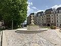 Fontaine Place Valois Charenton Pont 1.jpg