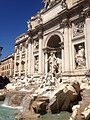 Fontana di Trevi (est) - panoramio (1).jpg
