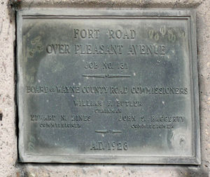 Fort Street–Pleasant Street and Norfolk & Western Railroad Viaduct - Image: Fort Street Pleasant St Plaque