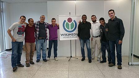 Foto grupal de los miembros de Wikimedia Venezuela