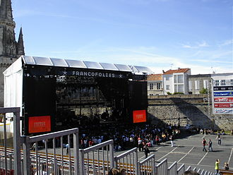 Les Francofolies de La Rochelle - Scene from main stage at Francofolies (2007).