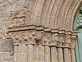 Frise de mascarons (église de Jugon-les-Lacs).jpg