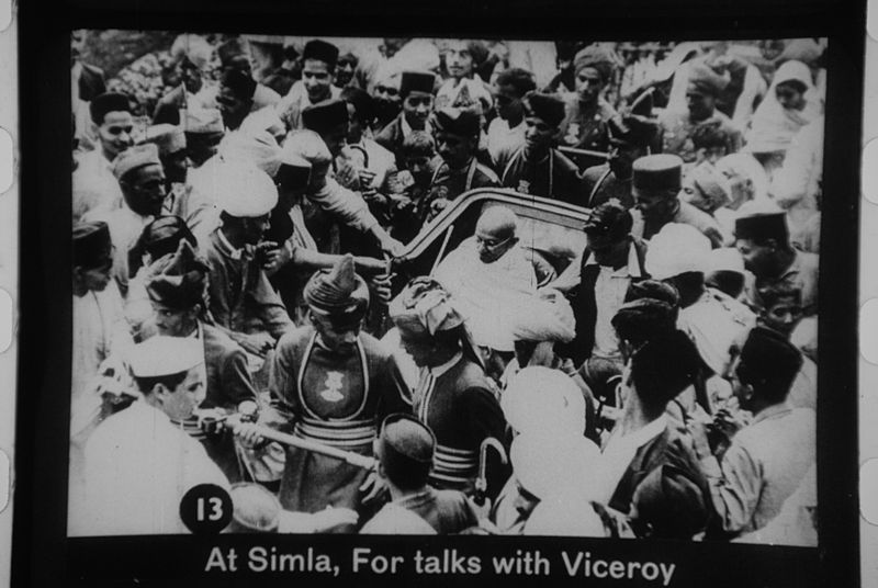 File:Gandhi at Simla welcomed by the crowd.jpg