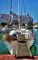Gangplank to yacht (13868786684).jpg