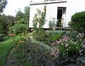 Garden at Ngaio Marsh House, Christchurch, NZ, December 2005.jpg