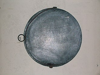 Bannock (food) - A griddle (girdle) from Dalgarven Mill in North Ayrshire, used for baking bannocks and oat cakes