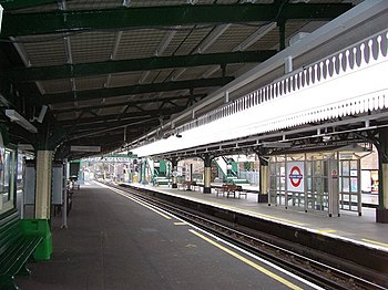 English: Golders Green Station Platform 4.