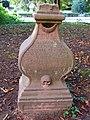 Grabstein aus dem 18. Jahrhundert - panoramio.jpg