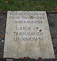 Grave of Thousands Unknown (5986733019).jpg