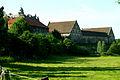 Gutsanlage von Schloss Hämelschenburg gesehen nachmittags von der Brückenstraße an den Weiden an der Emmer.jpg