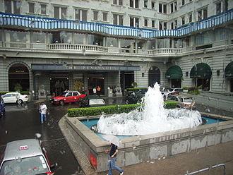 The Peninsula Hong Kong - The main entrance
