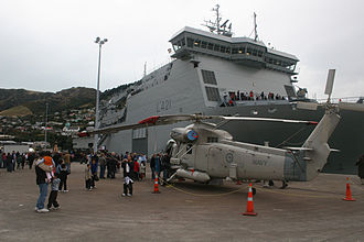 HMNZS Canterbury (L421) - HMNZS Canterbury alongside at Lyttleton in 2007. An SH-2G Seasprite is sitting on the dockside