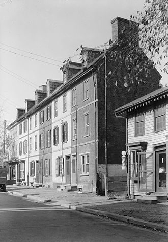New Castle, Delaware - Cloud's Row, 117–125 Delaware Street in New Castle. (1936)