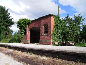 Hadlow Road railway station - Image: Hadlow Road Westbound Shelter