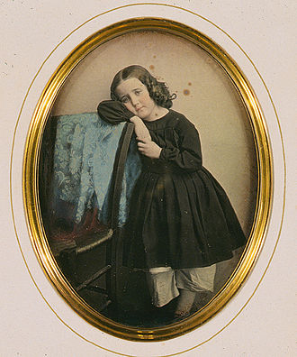 Hand-colouring of photographs - A hand-coloured daguerreotype by J. Garnier, ca. 1850