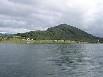 Handnesøya - View of the island (from the south)