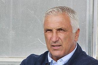 Hans Krankl - Image: Hans Krankl Trainer LASK Linz (quer)
