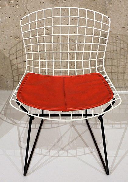 File:Harry bertoia per knoll international inc., sedia da bambino (mod. 426-2), new york 1950-52 (1953).jpg