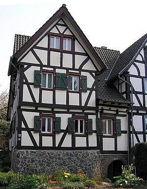 Holzlar - restored house from 1698 in Holzlar