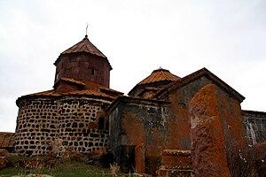 Hayravank Monastery - Image: Hayravank ensemble