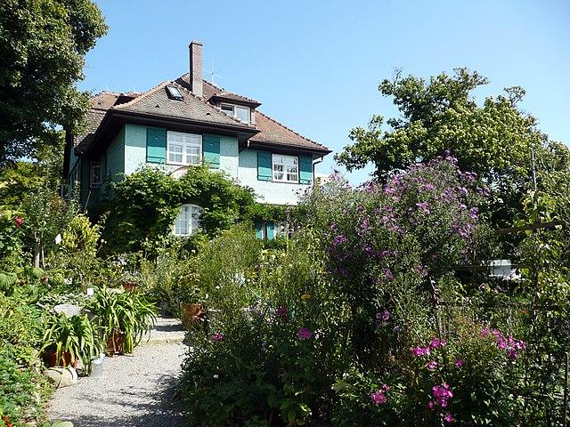 Вилла Гессе в Гайенхофене, построенная в 1907 году архитектором Гансом Хиндерманном.