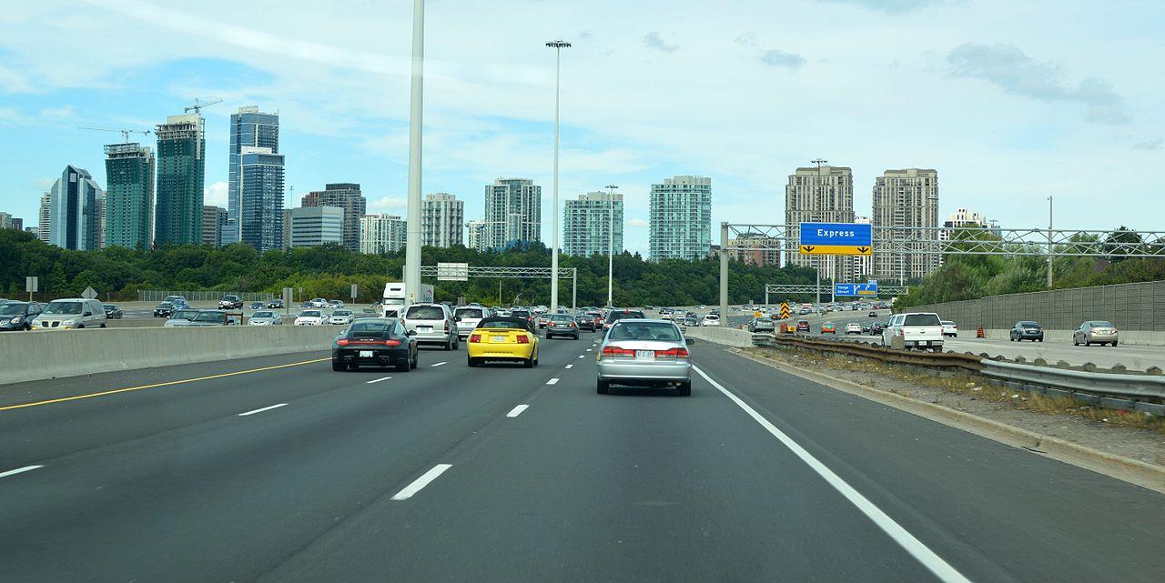 1280px-Highway_401_in_Toronto.jpg