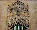 Hospital Reial de Xàtiva, portada amb àngels músics envoltant la Mare de Déu.JPG