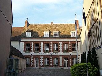 Houdan - Town hall