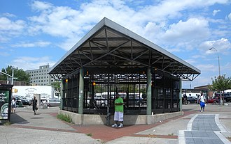 Hunts Point Avenue (IRT Pelham Line) - Exit-only station house on Southern Boulevard