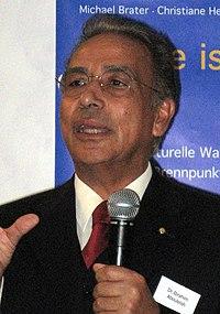 Ibrahim Anouleish, 2007 (cropped).jpg