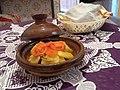 Image طاجين الدجاج مع البطاطس والطماطم و البصل1.jpg