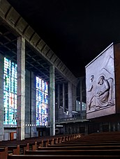 Innenraum der röm.kath.St.Anton Kirche, Basel 2.jpg