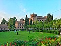 Islamia College Peshawar garden.jpg