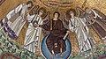 Italie, Ravenne, basilique San Vitale, mosaïque du Rédempteur entouré de deux anges et de saint Vital à gauche et de l'évêque Ecclesius à droite (48087061098).jpg