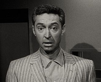 James Griffith - James Griffith in The Amazing Transparent Man (1960)