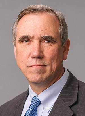 Jeff Merkley - Image: Jeff Merkley, 115th official photo (cropped)