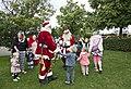 Julemænd danser med børn.jpg