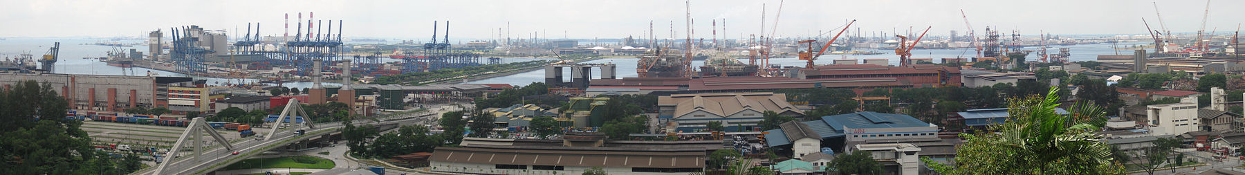Jurong Industrial Estate with Jurong Island in the background, photographed in November 2006 Jurong Industrial Estate and Jurong Island, panorama, Nov 06.jpg