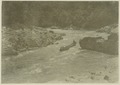 KITLV - 25695 - Demmeni, J. - The Lobang Kubang, a narrowing in the Mahakam River, at low tide, Central Borneo - 1898-1900.tif