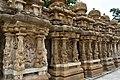 Kailasanatha Temple, dedicated to Shiva, Pallavve period, early 7th century, Kanchipuram (18) (23606078868).jpg