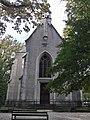 Kapela sv. Jurja u Parku Maksimir prednja strana sa zvonicima.jpg