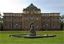 220px-Karlsruhe_Erbgro%C3%9Fherzogliches_Palais